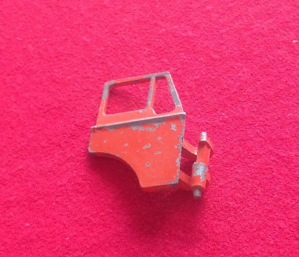 ORIGINAL Dinky Toys 451 Johnston Road Sweeper Right Hand ( Offside ) Cab Door